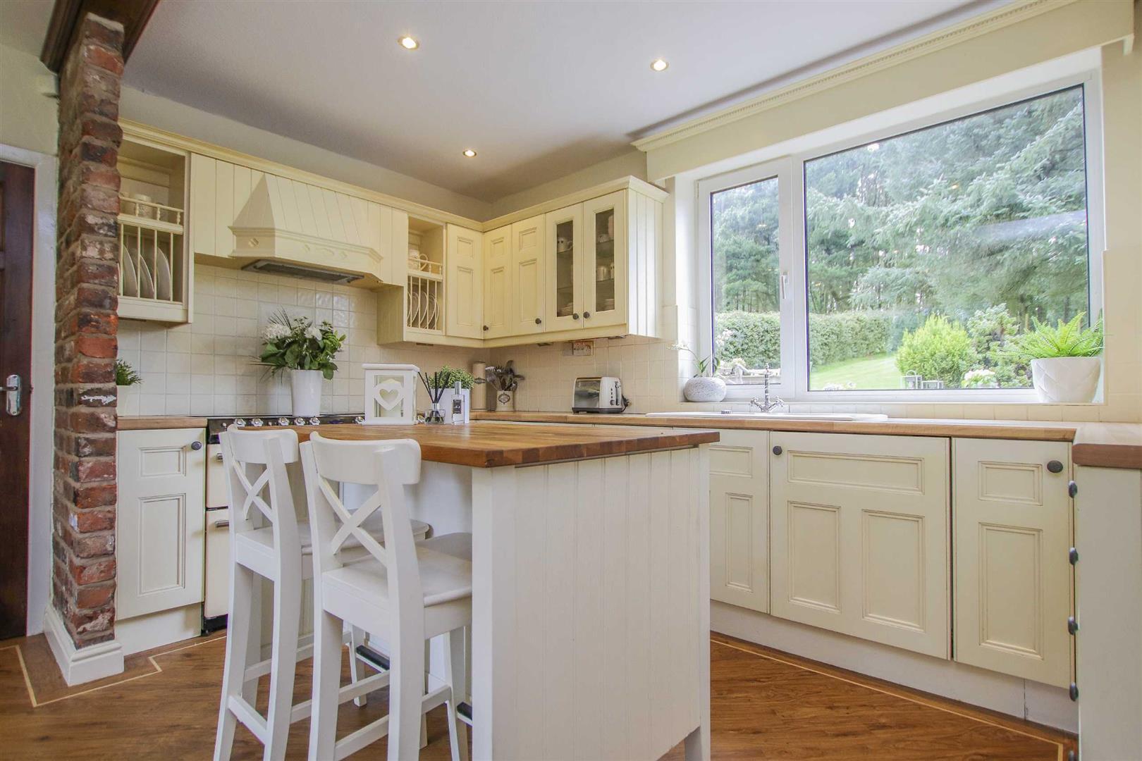 4 Bedroom Semi Detached Cottage For Sale - Image 23